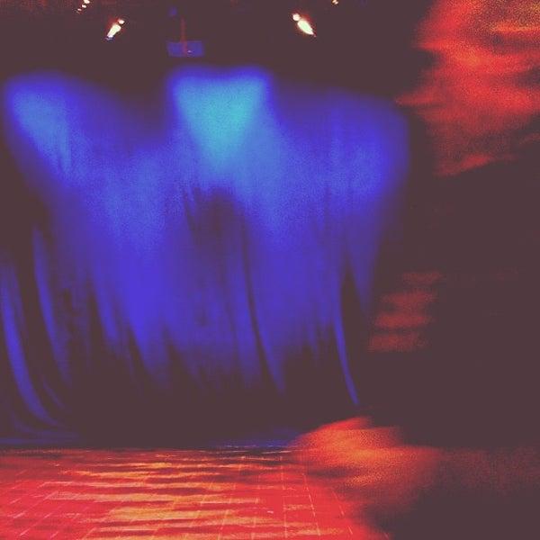 Foto tirada no(a) The Lynn Redgrave Theater at Culture Project por Dan G. em 2/19/2013