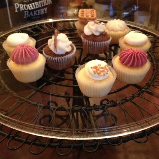 รูปภาพถ่ายที่ Prohibition Bakery โดย Mei L. เมื่อ 11/17/2012