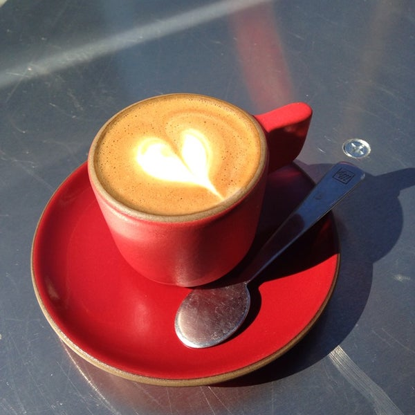 Photo prise au Linea Caffe par Agatha Y. le10/19/2013