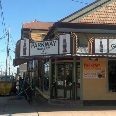 2/14/2013にRyan W.がParkway Bakery & Tavernで撮った写真