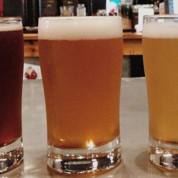 Foto diambil di Good People Brewing Company oleh Caroline F. pada 6/7/2013