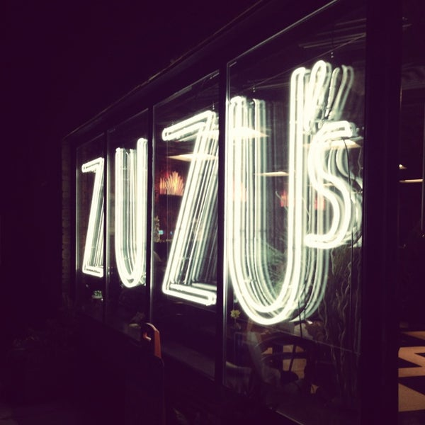 Foto scattata a Madame Zuzu's Tea House da Ashley B. il 1/5/2013