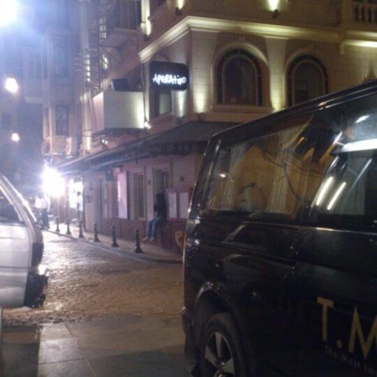 รูปภาพถ่ายที่ Aperativo โดย Oktay D. เมื่อ 11/29/2012