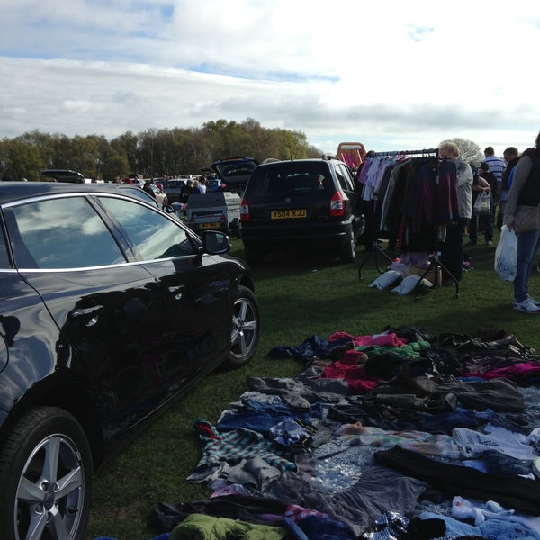 Photos at Marsh Lane Car Boot Sale - 11 visitors