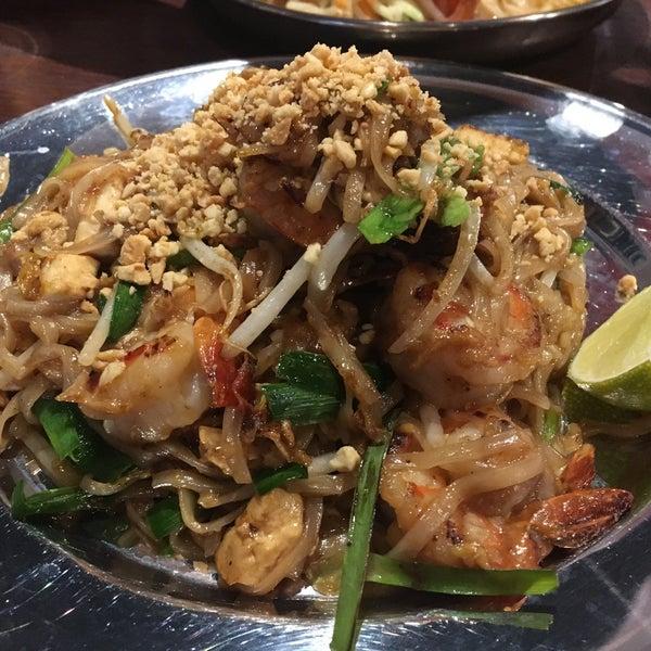 Eat Bkk Thai Kitchen Bar Willowdale 6307 Yonge St
