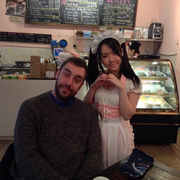 12/31/2013 tarihinde Javier M.ziyaretçi tarafından Maid Cafe NY'de çekilen fotoğraf