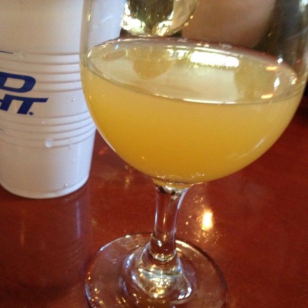 4/21/2013에 Patrick M.님이 Opal Bar & Restaurant에서 찍은 사진
