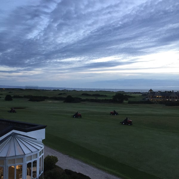 Foto tirada no(a) Old Course Hotel Golf Resort & Spa por Harald W. em 9/14/2015