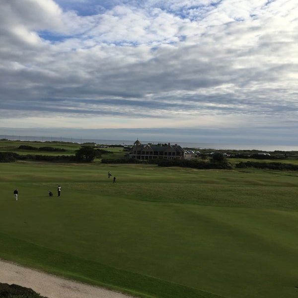Foto tirada no(a) Old Course Hotel Golf Resort & Spa por Harald W. em 9/15/2015