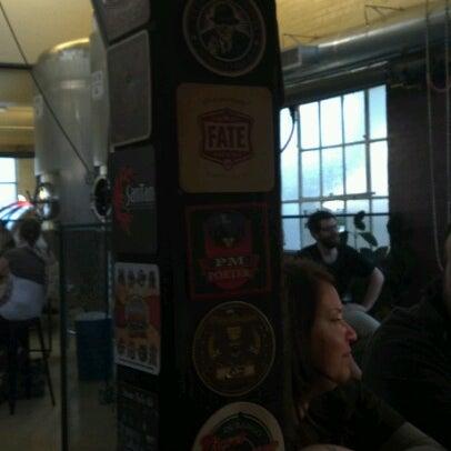 รูปภาพถ่ายที่ Mother Road Brewing Company โดย Benjamin E. เมื่อ 9/15/2012
