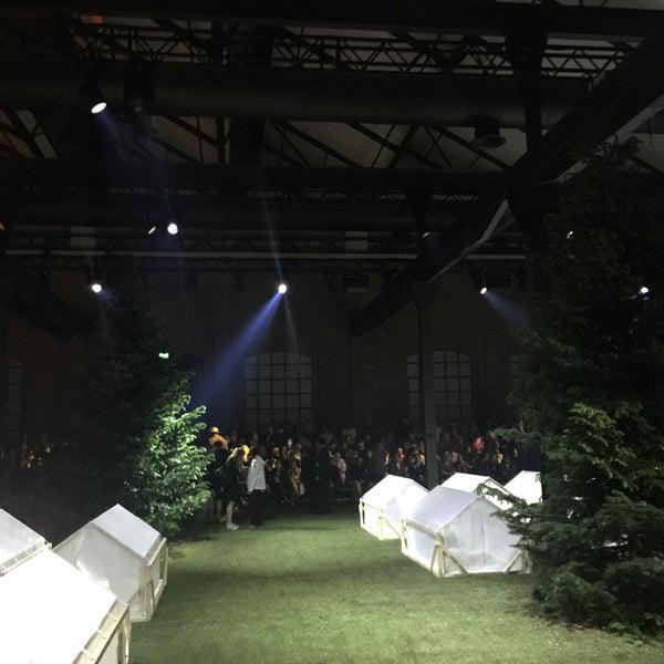 c6cff9753 Moncler Showroom - Tortona - Milano, Lombardia