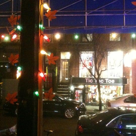 Foto scattata a Burrito Loco da Yvonne G. il 11/19/2012