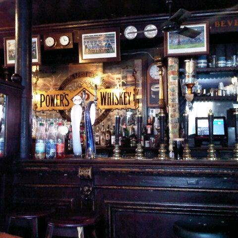 รูปภาพถ่ายที่ Toners Pub โดย Chad เมื่อ 10/20/2012