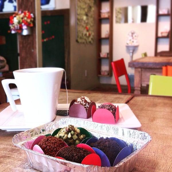 Experimente o Brigadeiro Dark com a bebida Chocolate da Villa. Sensacional!