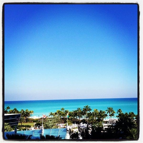Photo prise au Fontainebleau Miami Beach par Rodrigo G. le11/24/2012