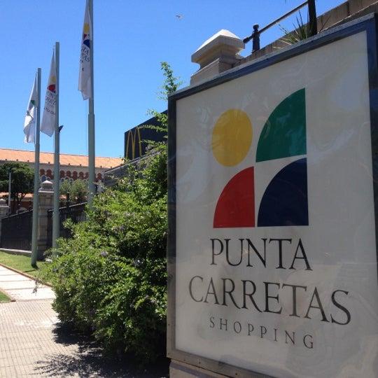 Foto tirada no(a) Punta Carretas Shopping por ZK F. em 12/12/2012