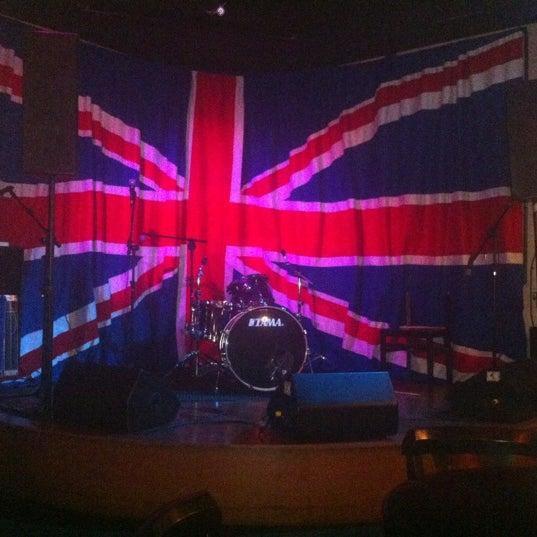 Снимок сделан в The Queen's Head пользователем Alisson N. 11/23/2012