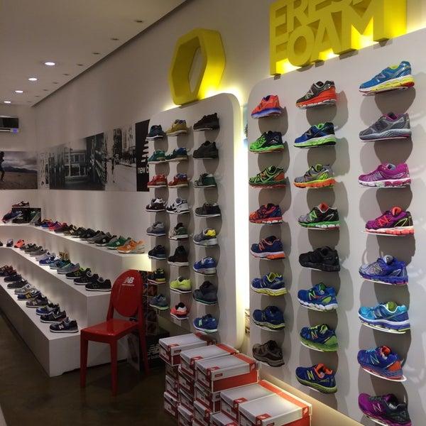 New Balance Roma Store - Negozio di calzature in EUR