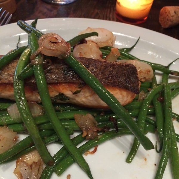 Crispy skin salmon was just that although a little plain in flavor and seasoning. Get it with the garlic roasted potatoes for a filler meal!