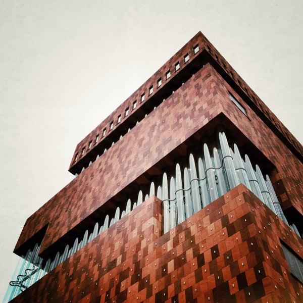 Foto tirada no(a) MAS | Museum aan de Stroom por Dany H. em 4/14/2013