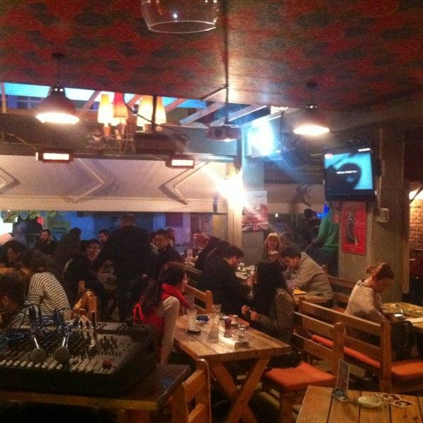 3/14/2013 tarihinde Martin P.ziyaretçi tarafından Social Pub'de çekilen fotoğraf