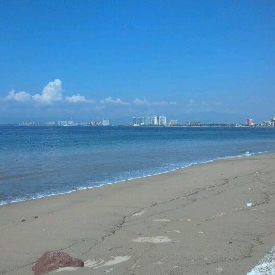 Foto diambil di Day Off Beach Bar oleh Irene O. pada 10/31/2012