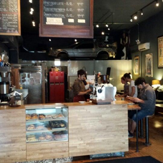 6/5/2013에 Aaron C.님이 The Wormhole Coffee에서 찍은 사진