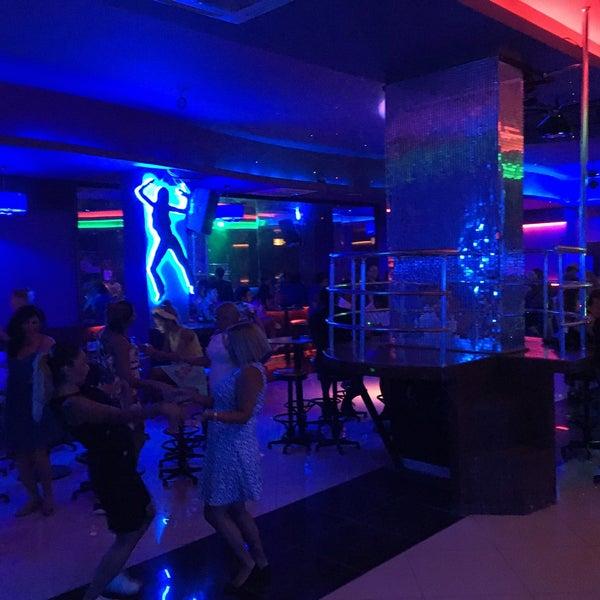 Ночной клуб для 16 летних ddx адреса клубов в москве