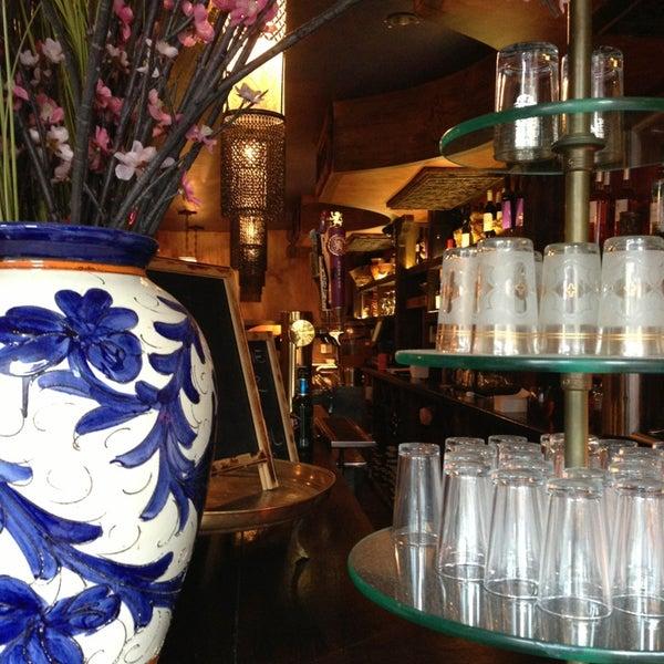 Photo prise au Nomad Restaurant par Brenda B. W. le8/25/2013