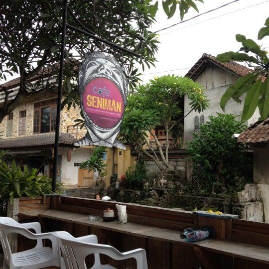 Foto scattata a Seniman Coffee Studio da Amalia A. il 12/17/2012