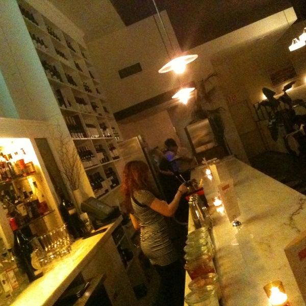 Снимок сделан в Le Midi Bar & Restaurant пользователем Oonline 4/21/2013