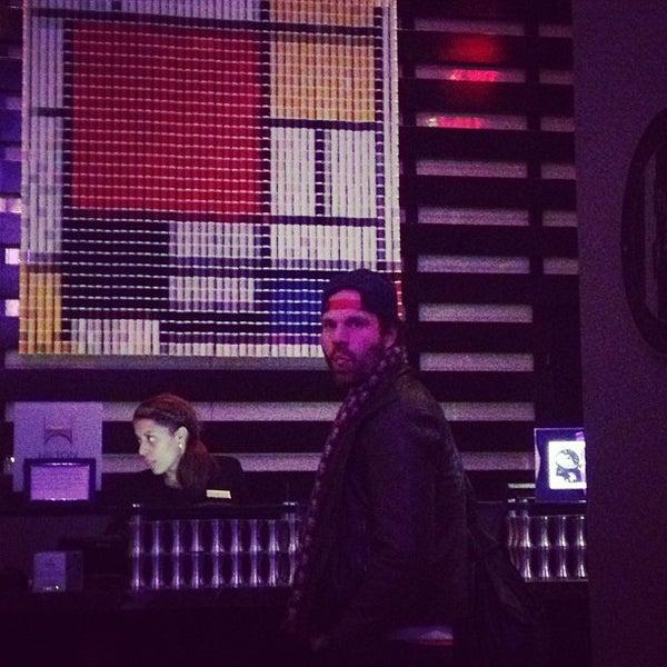1/25/2013 tarihinde Heather K.ziyaretçi tarafından Hilton New York Fashion District'de çekilen fotoğraf