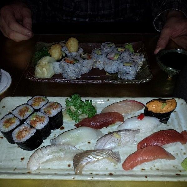 Photo prise au Sushi Zen par Tracey M. le1/12/2014