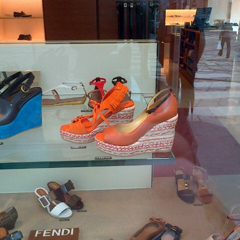 Store In ClosedShoe In ClosedShoe Milano Vergelionow Vergelionow Store Milano Vergelionow ClosedShoe Store In 0OwP8kn