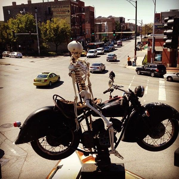 Снимок сделан в Twisted Spoke пользователем Rob S. 9/15/2012