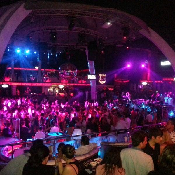 รูปภาพถ่ายที่ Club Inferno โดย Emre T. เมื่อ 7/6/2013