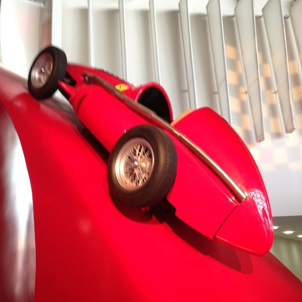 Foto tomada en Ferrari World Abu Dhabi por Миша Б. el 3/6/2013