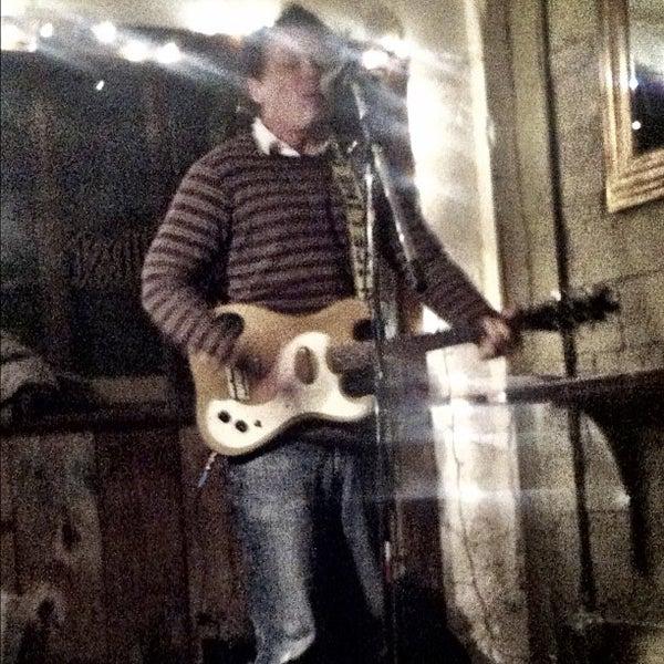 รูปภาพถ่ายที่ The West—Coffeehouse & Bar โดย Theo C. เมื่อ 11/1/2012