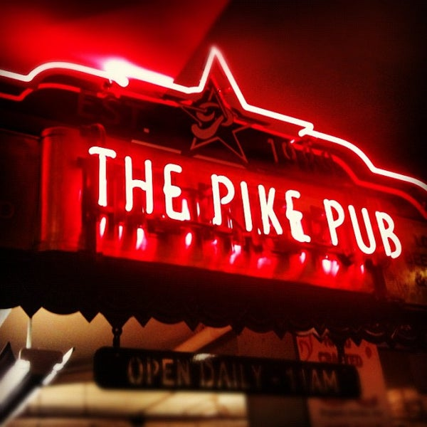 Photo prise au Pike Brewing Company par D B. le9/29/2012