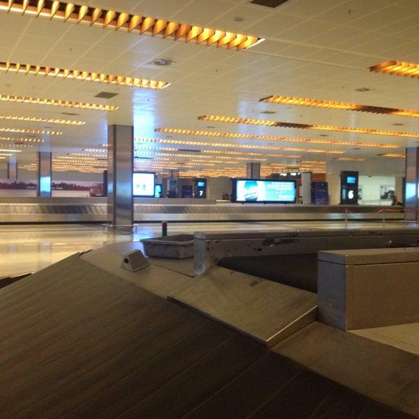 Foto diambil di İstanbul Sabiha Gökçen Uluslararası Havalimanı (SAW) oleh Ilayda pada 8/11/2013