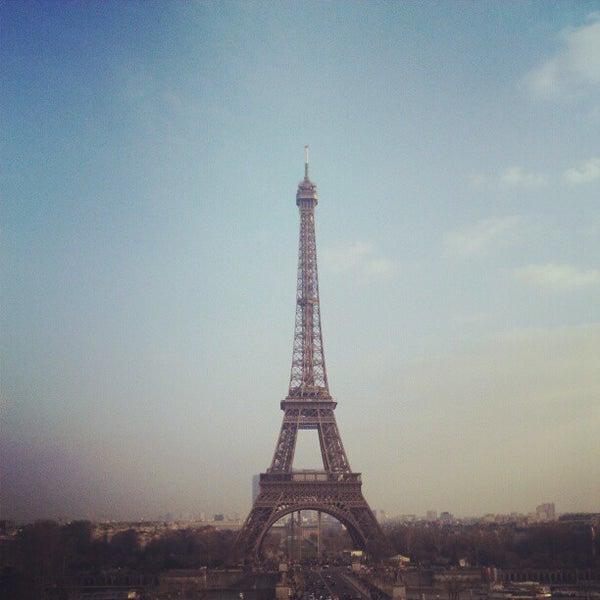 Photo prise au Place du Trocadéro par Sergey E. le2/13/2013