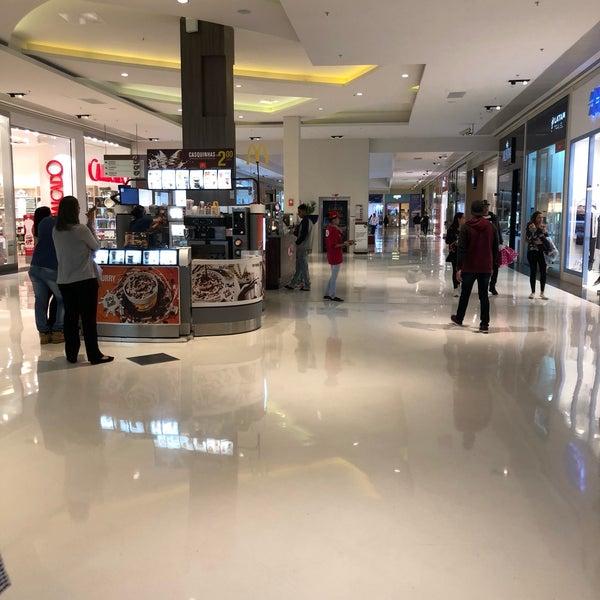 Foto tirada no(a) Parque Shopping Maia por Laila A. em 5/23/2018
