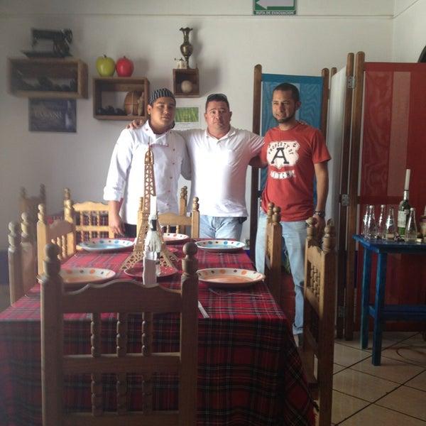 6/14/2013にHector Antonio R.がPetit Bistróで撮った写真