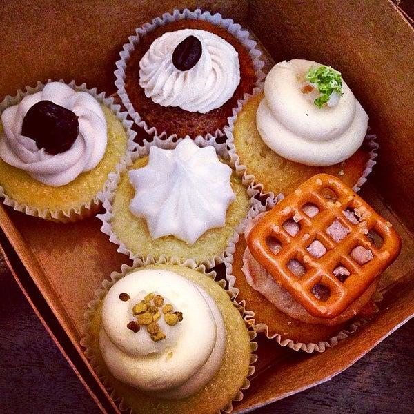 รูปภาพถ่ายที่ Prohibition Bakery โดย Emma C. เมื่อ 9/19/2014