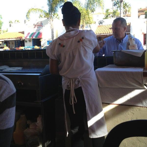 Foto tomada en Cafe Coyote por Elizabeth F. el 12/27/2012