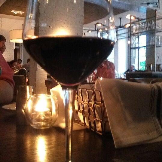 Photo prise au NoPa Kitchen + Bar par Christine M. le7/27/2013