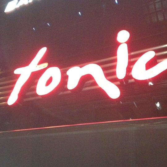 Photo prise au Tonic East par Karen le9/16/2012