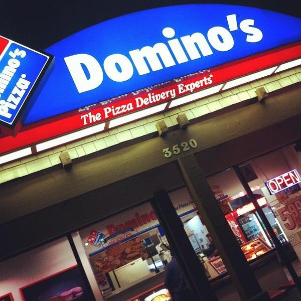 6/23/2013にLamees Al-GhがDomino's Pizzaで撮った写真