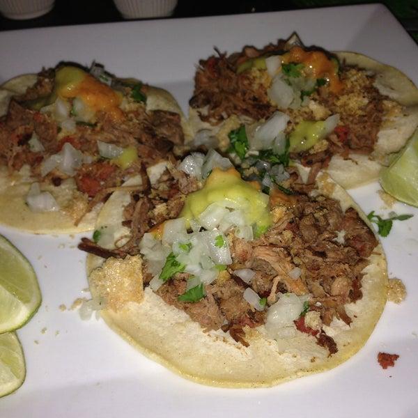 Foto tirada no(a) The MexZican Gourmet por José O. em 5/13/2013