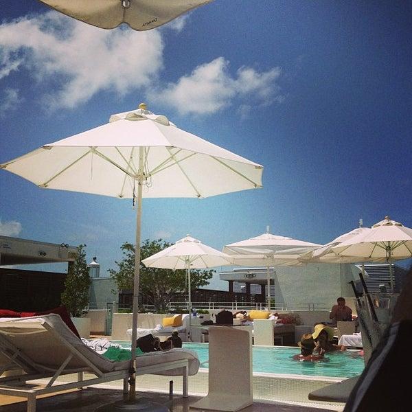 6/22/2013にΔがHighbar - Pool·Bar·Skyで撮った写真